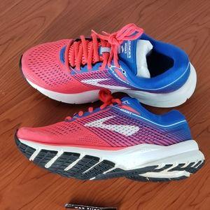 Brooks Launch 5 Womens Running Sneaker Size 7